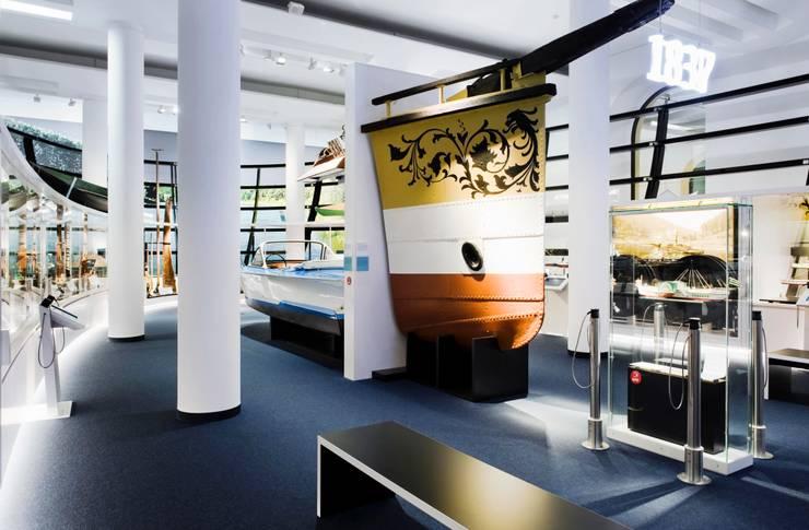 Innenansicht Ausstellungsraum Verkehrsmuseum Dresden :  Museen von Marius Schreyer Design