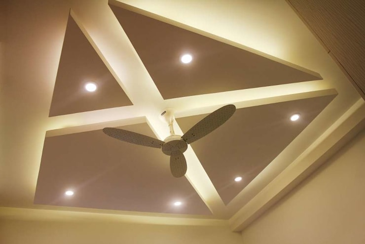celling bedroom:  Flat roof by KUMAR INTERIOR THANE,Modern