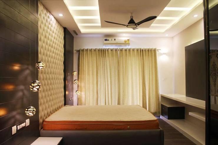 master bedroom:  Bedroom by KUMAR INTERIOR THANE,Modern