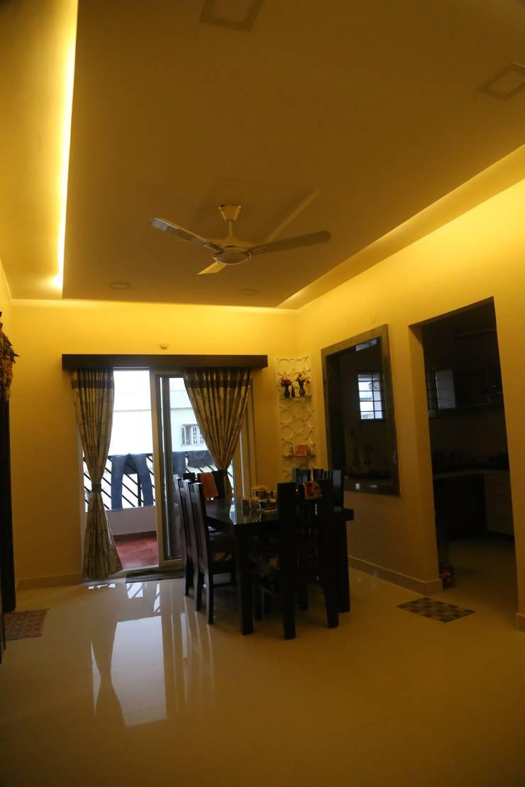 Mr. Gupta Kondapur Naani:  Corridor & hallway by Ghar Ek Sapna Interiors