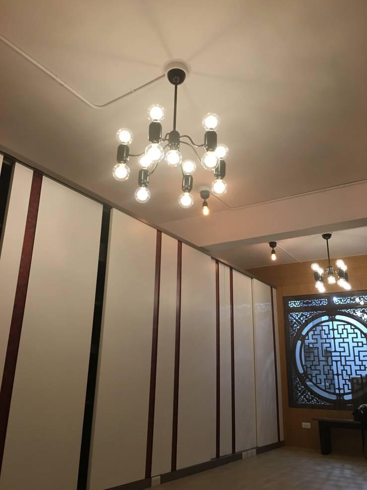 新店:  客廳 by Joy Full Interior Designer 佐輔室內裝修