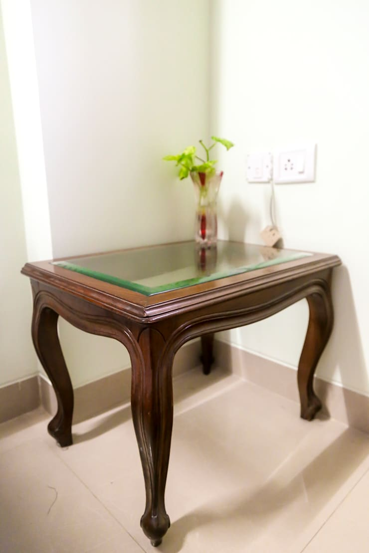 Mr. Kishan InduFortuneCity:  Living room by Ghar Ek Sapna Interiors
