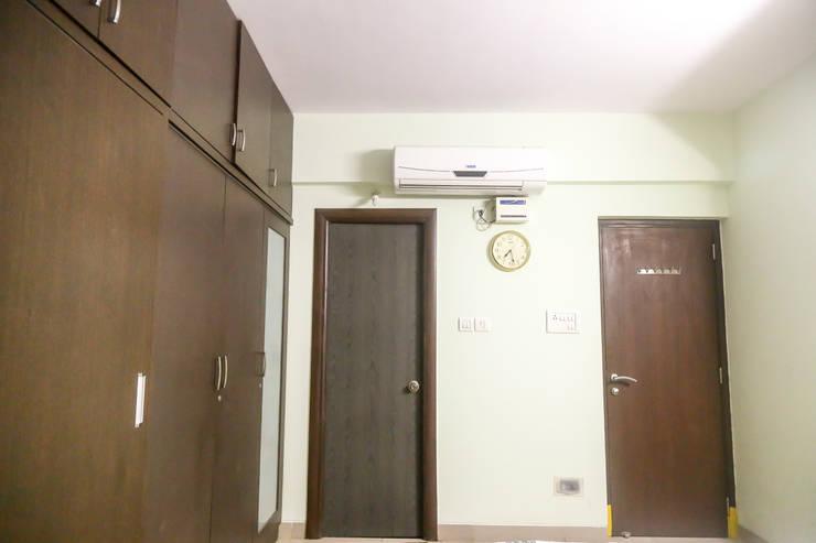 Mr. Kishan InduFortuneCity:  Dressing room by Ghar Ek Sapna Interiors
