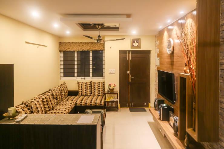 Mr. Kishan InduFortuneCity: modern Living room by Ghar Ek Sapna Interiors