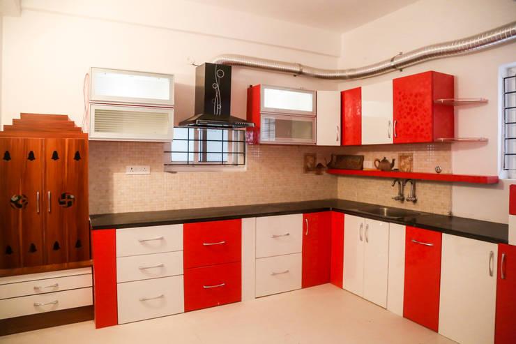 Ms. Shilpa Kondapur Site: modern Kitchen by Ghar Ek Sapna Interiors