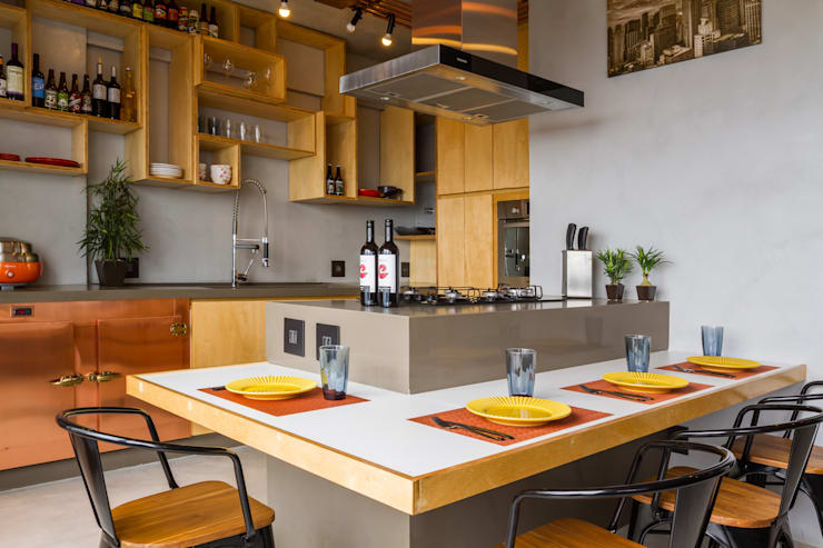 Industrial style kitchen by Aptar Arquitetura Industrial