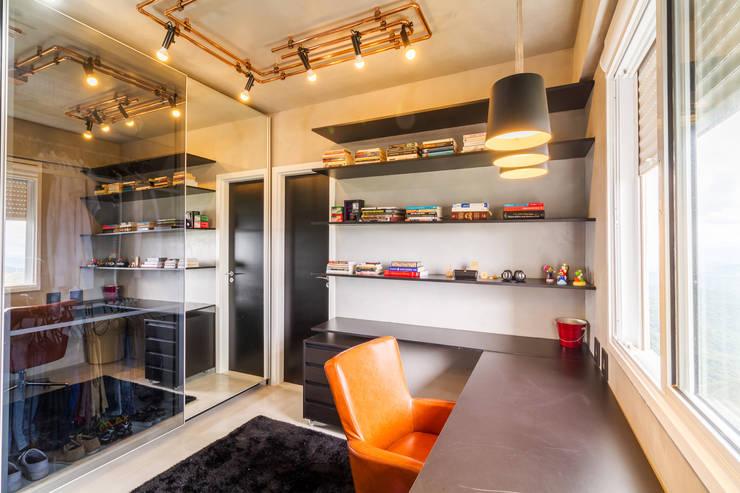 Apartamento Vila da Serra: Escritórios  por Aptar Arquitetura