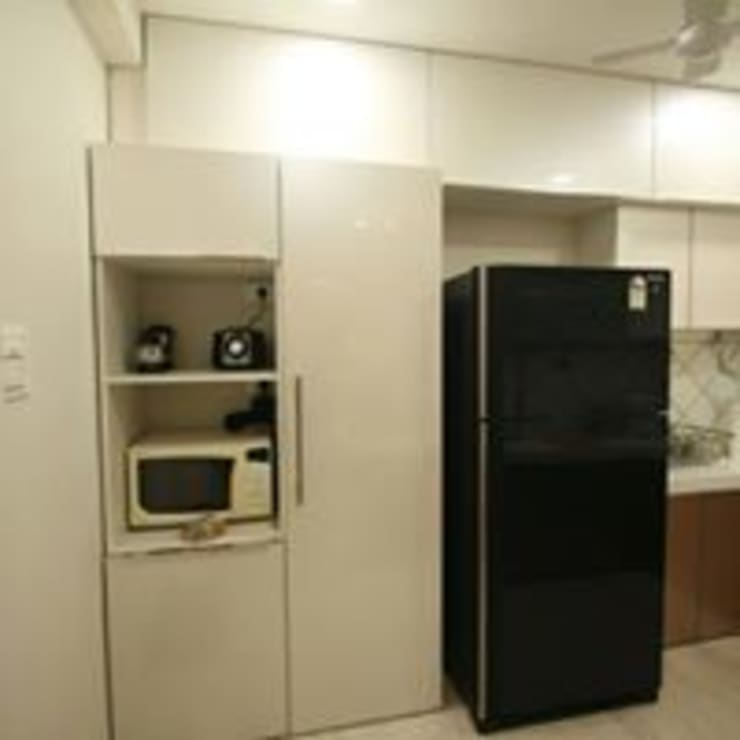Mr.Santosh Singh And Mrs.Meenaxi Singh :  Kitchen by PSQUAREDESIGNS,Modern