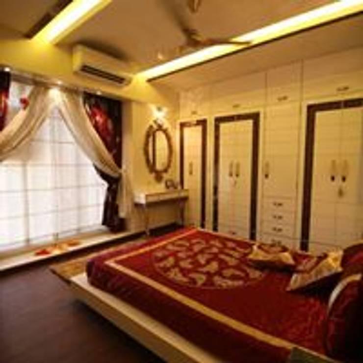 Mr.Santosh Singh And Mrs.Meenaxi Singh : modern Bedroom by PSQUAREDESIGNS