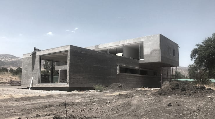 Single family home by proyecto arquitek