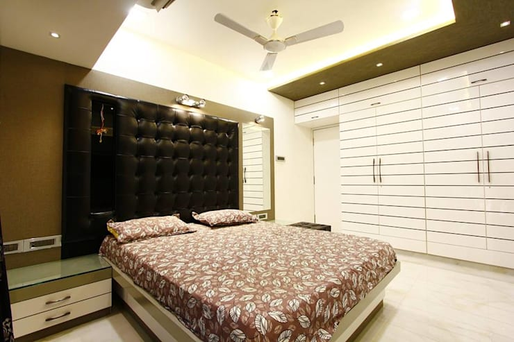 Mr.Ram & Mrs.Lajja Sanghvi:  Bedroom by PSQUAREDESIGNS
