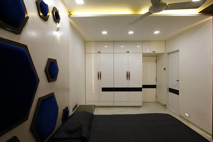 Mr.Ram & Mrs.Lajja Sanghvi:  Living room by PSQUAREDESIGNS,Modern