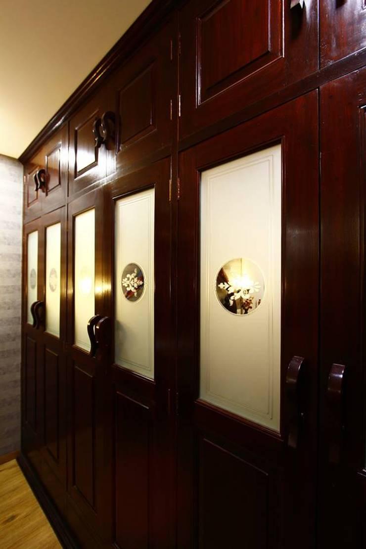 Dr.ramesh/Bhavna Bhanushali :  Bathroom by PSQUAREDESIGNS,Modern