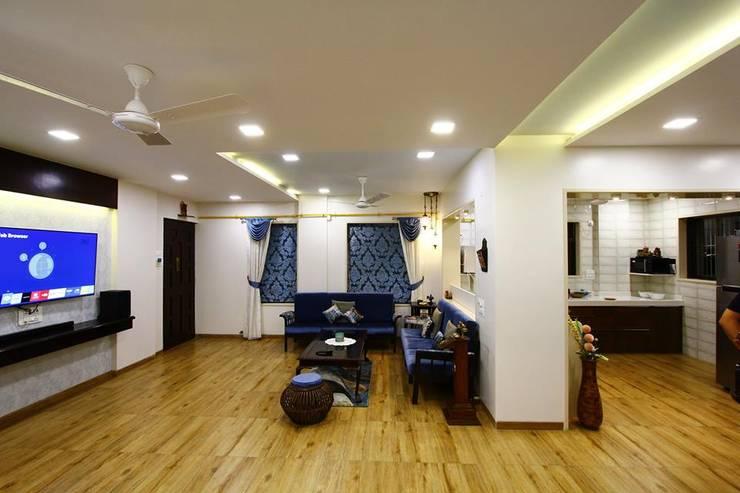 Dr.ramesh/Bhavna Bhanushali :  Living room by PSQUAREDESIGNS