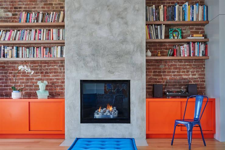 Red Hook Townhouse:  Living room by Sarah Jefferys Design