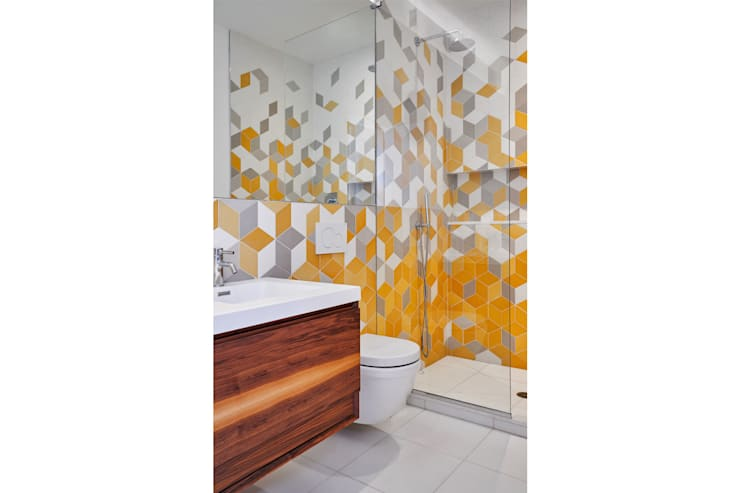 Red Hook Townhouse:  Bathroom by Sarah Jefferys Design