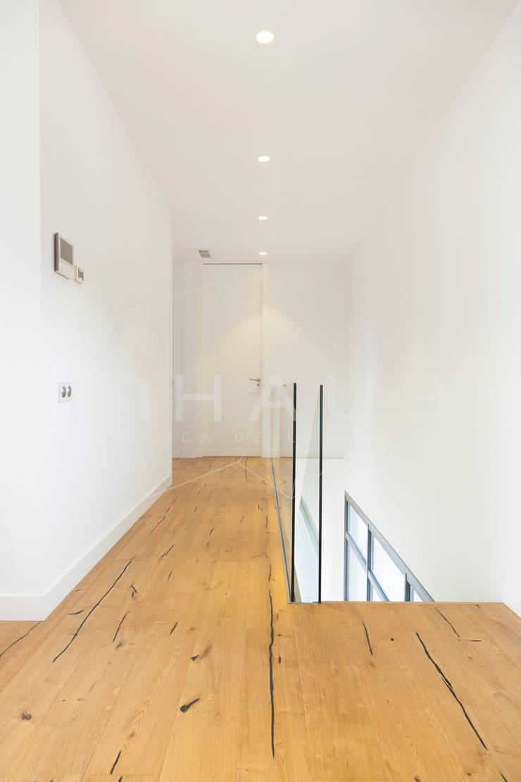 Arbeitszimmer von Casas inHAUS, Modern