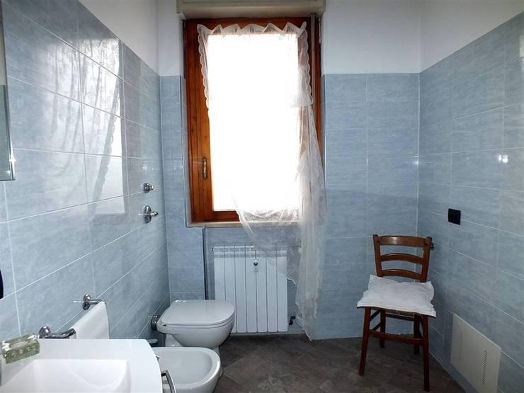 Melzo, Intervento di Home Staging:  in stile  di Gilardi Interiors on Staging