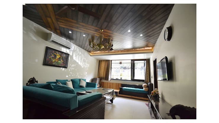 Apartment | Delhi:  Living room by Inno[NATIVE] Design Collective