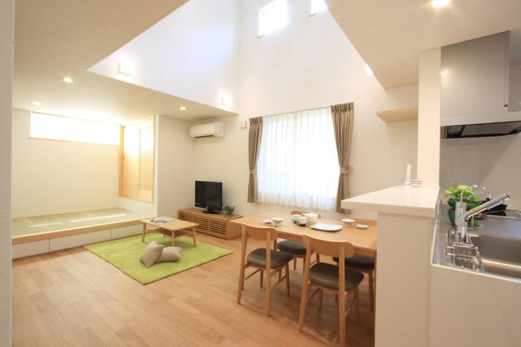 Phòng khách by 株式会社JA建設エナジー