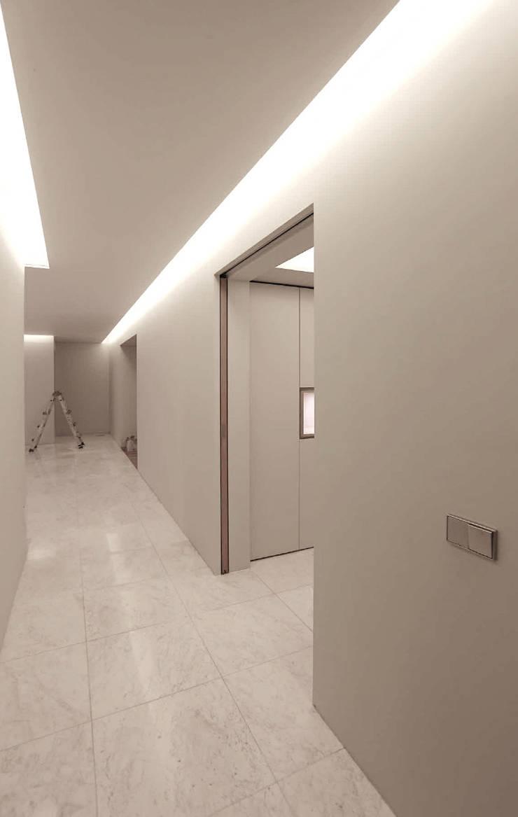 corridor: kimapartners co., ltd.의  복도 & 현관