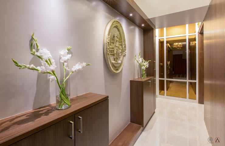 Apartment for Mr & Mrs Merchants, Mazgaon:  Corridor & hallway by Design Ka:Tha,Modern