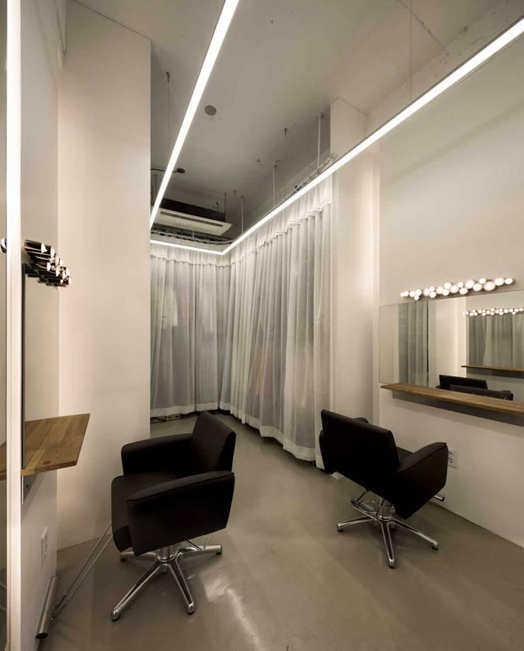 드레스룸 & 메이크업룸: kimapartners co., ltd.의  회사
