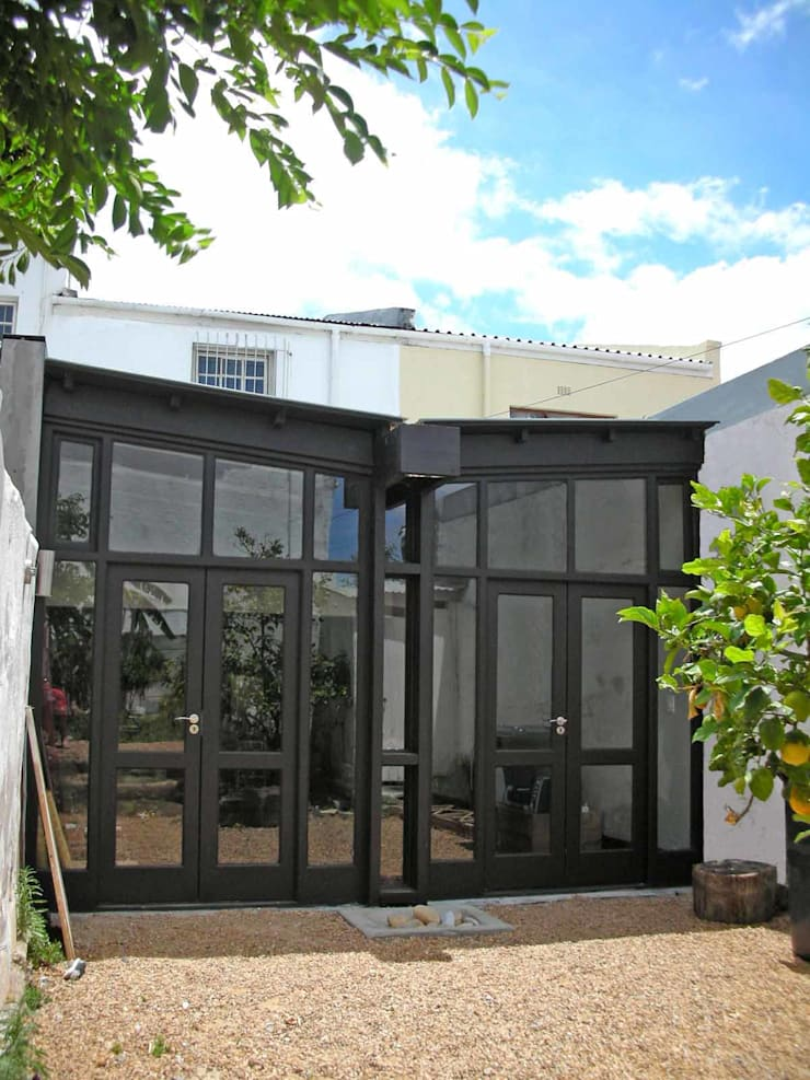 garden extension elevation:  Houses by Till Manecke:Architect