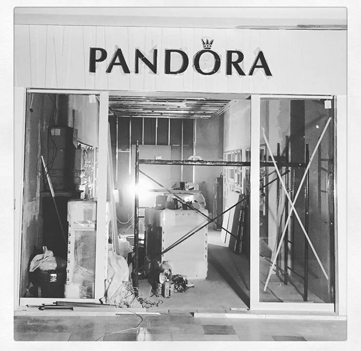 Tienda Pandora // Mall Plaza Antofagasta // Foto 03:  de estilo  por ARQ+3