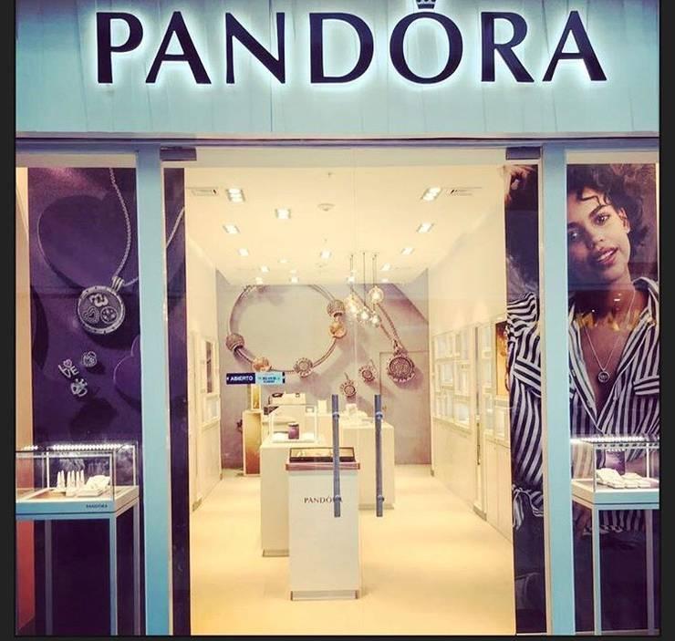 Tienda Pandora // Mall Plaza Antofagasta // Foto 07:  de estilo  por ARQ+3