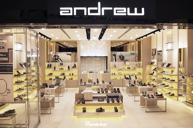 Andrew SMS:  Ruang Komersial by Mendekor