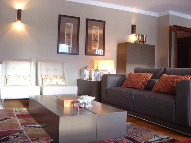 Sala comum: Sala de estar  por Conceicao Lopes