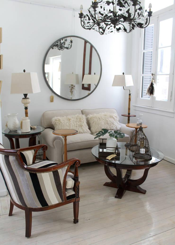 Nuestro Living en la tienda:  de estilo  por K&M CASA,Clásico Madera Acabado en madera