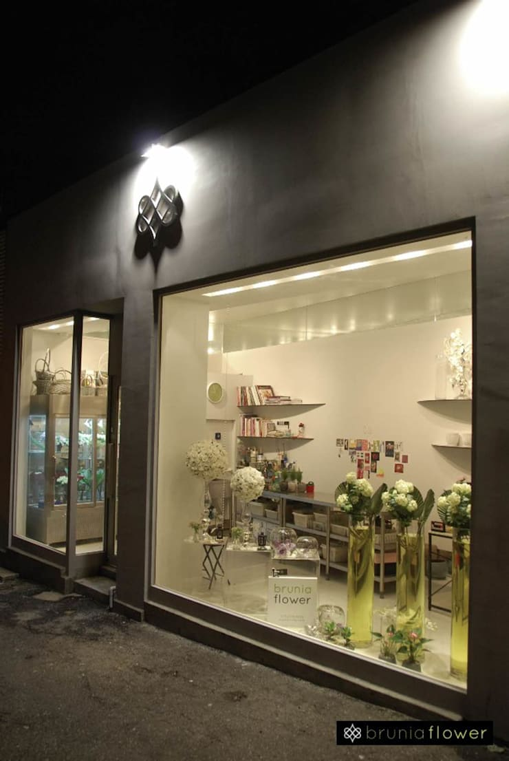 Hannam B Flower Shop FACADE: kimapartners co., ltd.의  상업 공간