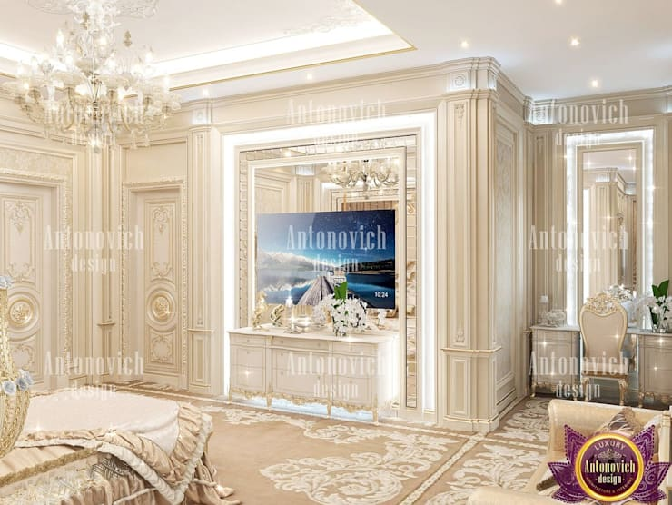 ​Luxury house design of Katrina Antonovich:  Bedroom by Luxury Antonovich Design