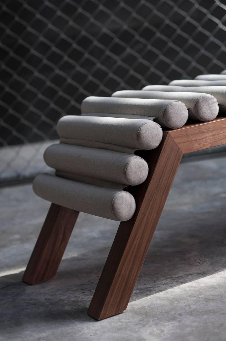 modern  by Natural Urbano, Modern Wood Wood effect