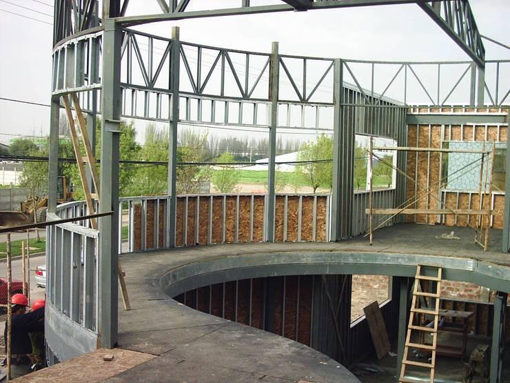 Oficinas y Bodegas Tefix : Pasillos y hall de entrada de estilo  por Incubar: Arquitectura & Construcción