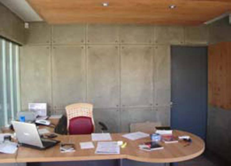 Oficinas y Bodegas Tefix : Estudios y biblioteca de estilo  por Incubar: Arquitectura & Construcción