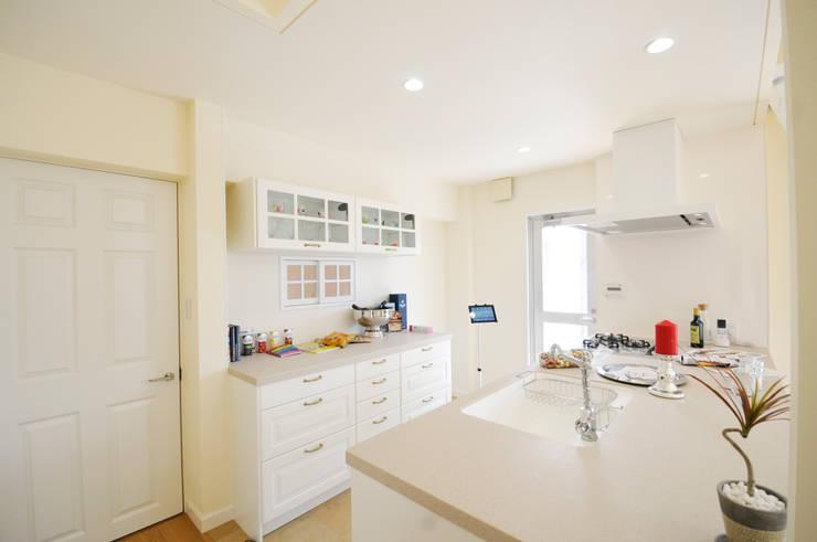 ห้องครัว by TBJインテリアデザイン建築事務所