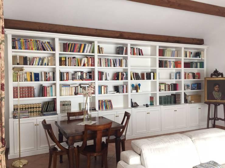 Librerie Di Legno Classiche.Librerie Classiche Laccate Bianche Di Falegnameria Su Misura Homify