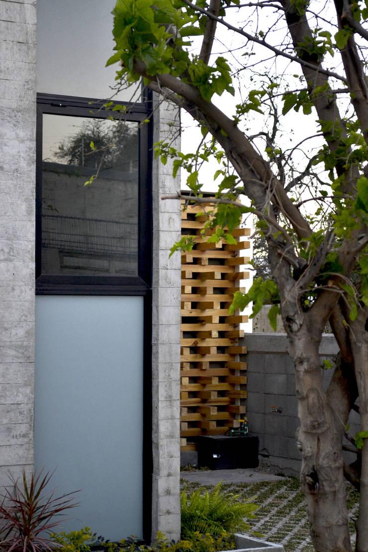 CASA VG: Casas de estilo  por CUBO ROJO Arquitectura