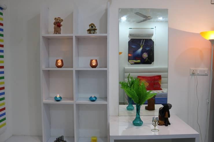 Children Bedroom Dressing:  Dressing room by Enrich Interiors & Decors