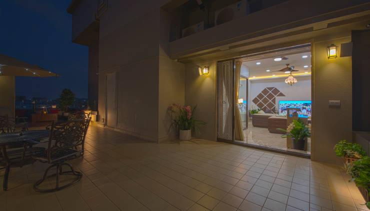 Terrasse de style  par Banaji & Associates