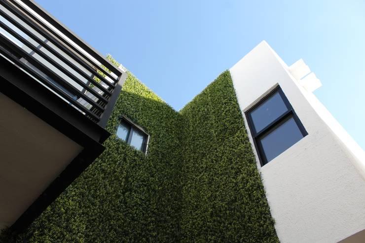Fachada interior: Casas de estilo  por Grupo Involto