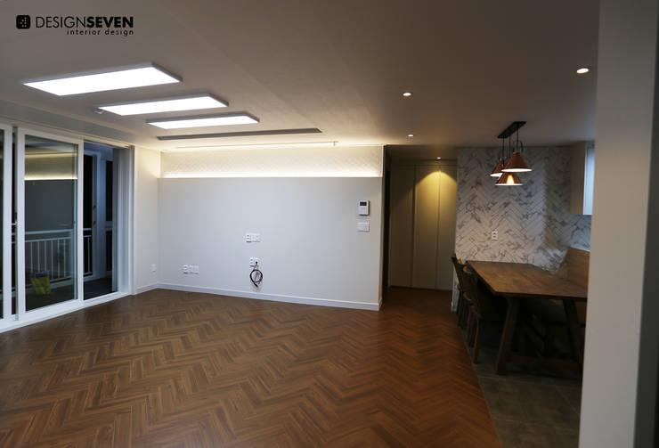 용호롯데 APT: 디자인세븐의  벽 & 바닥