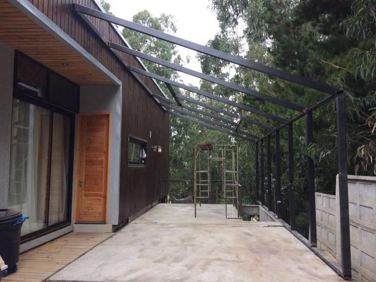 Estructuras de Acero: Terrazas  de estilo  por Manuel Herrera