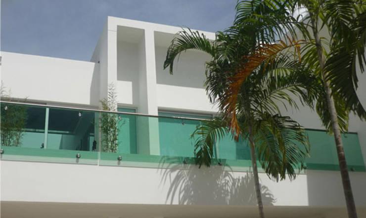 Casa Vega aruachan: Casas de estilo  por mínimal arquitectura