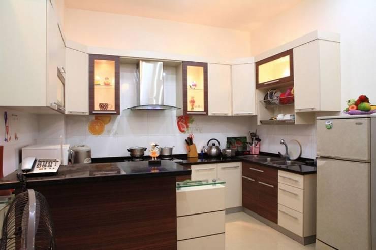 Phòng khách – phòng bếp sang trọng, đầy ấm áp:  Tủ bếp by Công ty TNHH Xây Dựng TM – DV Song Phát