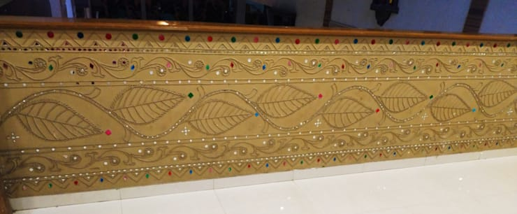 Traditional Lippan mirrowork wall art Painting are one of the true Indian Traditional Painting Art work done by Inside Out Interior Ahmadabad Gujarat :  Corridor & hallway by Inside Out Interior ,Classic