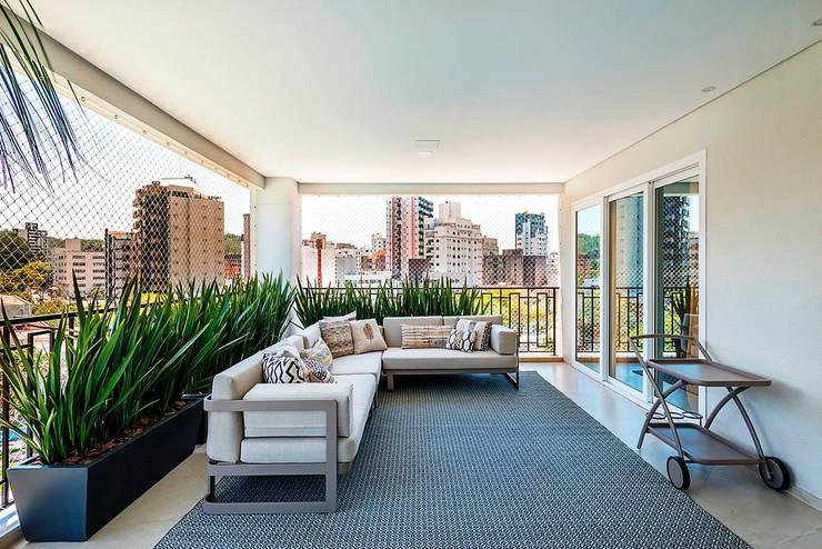 Apartamento: Terraços  por Spengler Decor